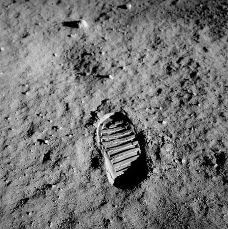 rants 1024px-Apollo_11_bootprint